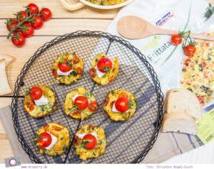 MrsBerry Meal Planning | Veggie Frittata Snacks mit Ziegenkäse und Cherrytomaten