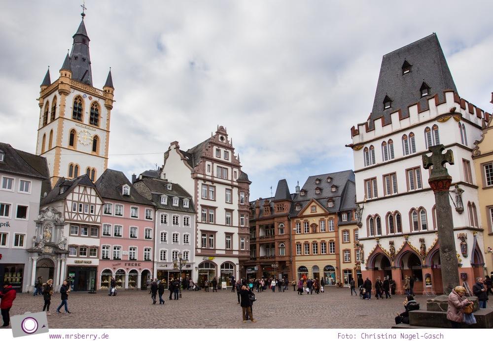 MrsBerry.de in Trier: 10 Sehenswürdigkeiten & Tipps für Deutschlands älteste Stadt - Marktplatz mit Marktkreuz und Petrusbrunnen