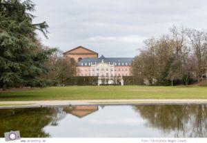 MrsBerry.de in Trier: 10 Sehenswürdigkeiten & Tipps für Deutschlands älteste Stadt - Kurfürstliches Palais und Teil der Konstantinbasilika