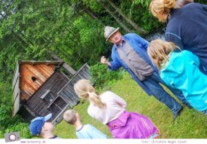 Familienurlaub in Kärnten - Feriendorf Kirchleitn mit Ranger Tagen für Kinder: Besuch einer alten Mühle [Österreich, Wandern im Nockberge Nationalpark]