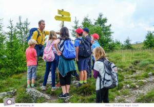 Familienurlaub in Kärnten - Feriendorf Kirchleitn mit Ranger Tagen für Kinder: Wandern mit einem Ranger [Österreich, Wandern im Nockberge Nationalpark]
