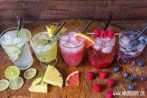 Muttertagsgeschenke: Gin-Cocktail-Party mit Rezepte für Regenbogen-Cocktails
