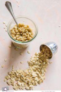 Beauty DIY   Peeling selber machen - die 5 besten Zucker-Peeling zum Selbermachen für Zuhause   Kokos-Hafer-Zucker-Peeling