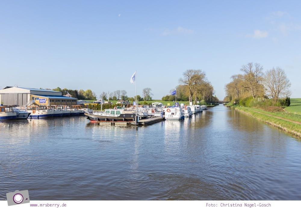 Hausbooturlaub in Frankreich: aus dem Rhein-Marne-Kanal in Elsass-Lothringen | Unser Hausboot im Hafen von Niderviller.