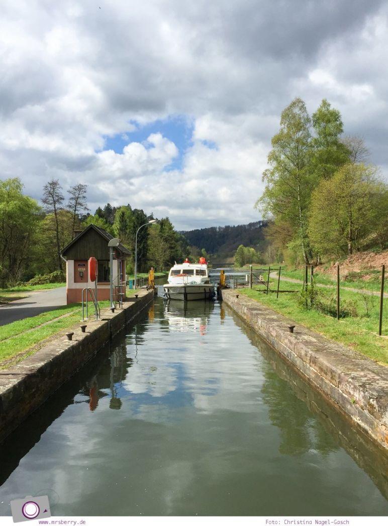 Hausbooturlaub in Frankreich: aus dem Rhein-Marne-Kanal in Elsass-Lothringen | Tagesetappe von Niderviller über Lutzeburg nach Saverne.