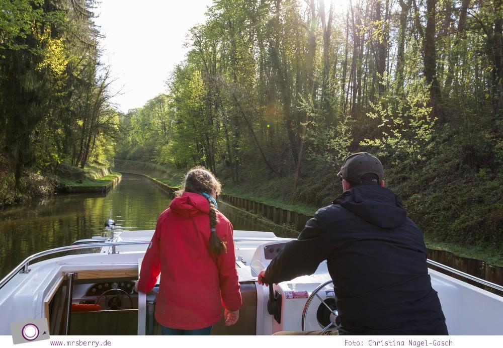 Hausbooturlaub in Frankreich: aus dem Rhein-Marne-Kanal in Elsass-Lothringen | Fahrt durch den Tunnel Niderviller und Tunnel Arzviller.