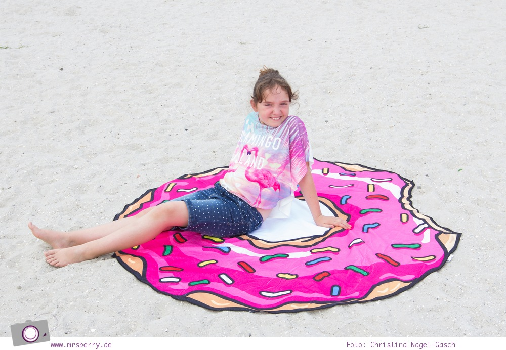 Geburtstagsgeschenke für Reisende - Gadgets mit Fun Faktor | Donut Strandtuch