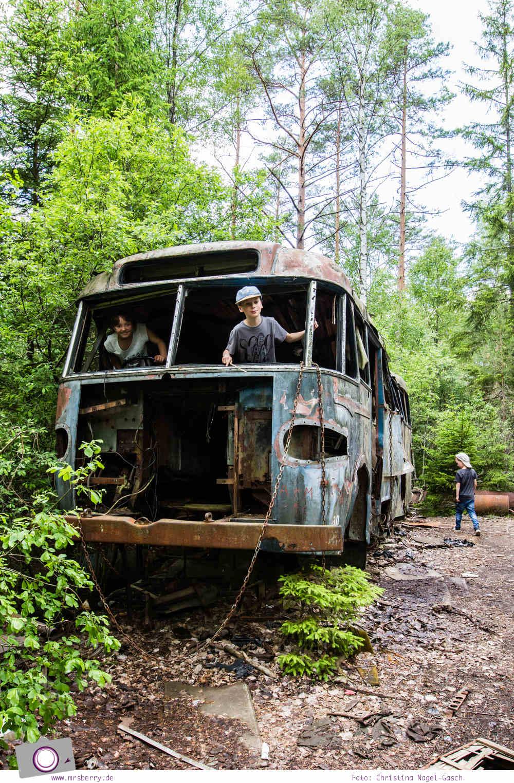 Schweden mit Kindern - Tipps für Småland in Südschweden: Ausflug zum Autofriedhof / Schrottplatz Kyrkö Mosse