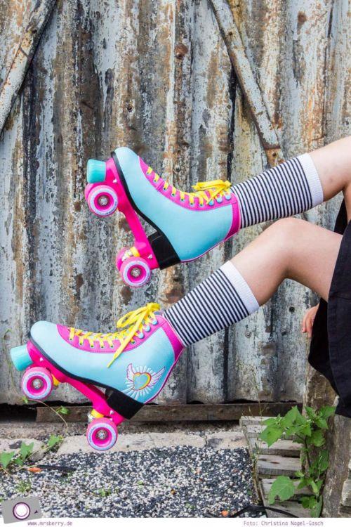 Outdoor Spaß mit Hudora Rollschuhen und Skateboard + Verlosung