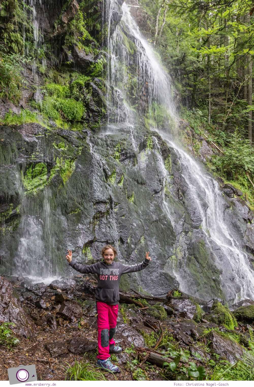 ZweiTälerLand im Schwarzwald: Wanderung mit Kind zum Zweribach-Wasserfall