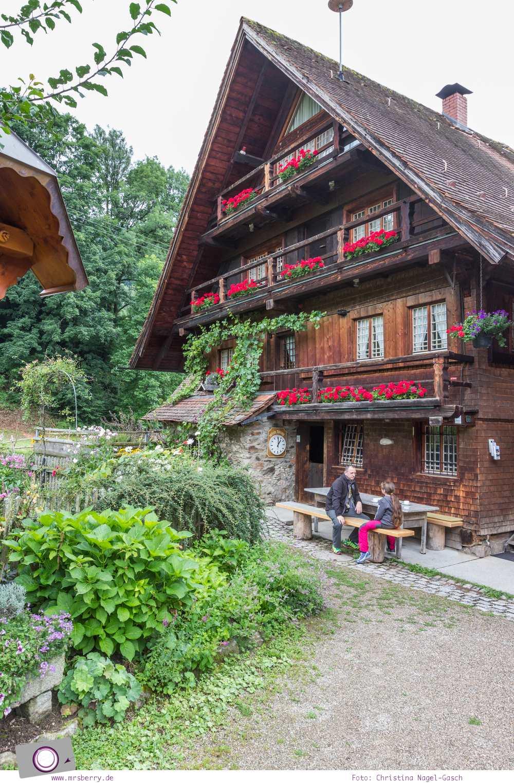 ZweiTälerLand im Schwarzwald: Familienausflug zur historischen Ölmühle im Simonswald: In der 1712 erbauten historischen Ölmühle wird noch heute Walnussöl kaltgepresst.