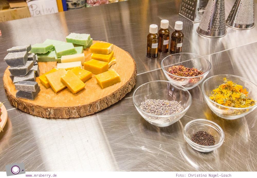 ZweiTälerLand im Schwarzwald: In der Seifentruhe in Elzach werden seit über 10 Jahren Naturseifen aus reinen Pflanzenölen im Kaltpressverfahren hergestellt. Im Workshop kann man selber Seifen herstellen.