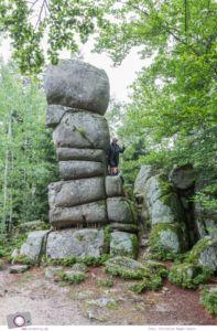 ZweiTälerLand im Schwarzwald: Wandern mit Kind zu den Siebenfelsen. Die bizarre Felsformation ist vermutlich keltischen Ursprungs.