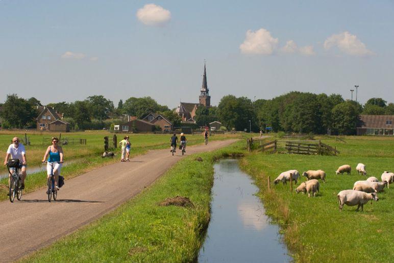 Familienurlaub in den Niederlanden - Waterland Bikini | Bild: Boat Bike Tours