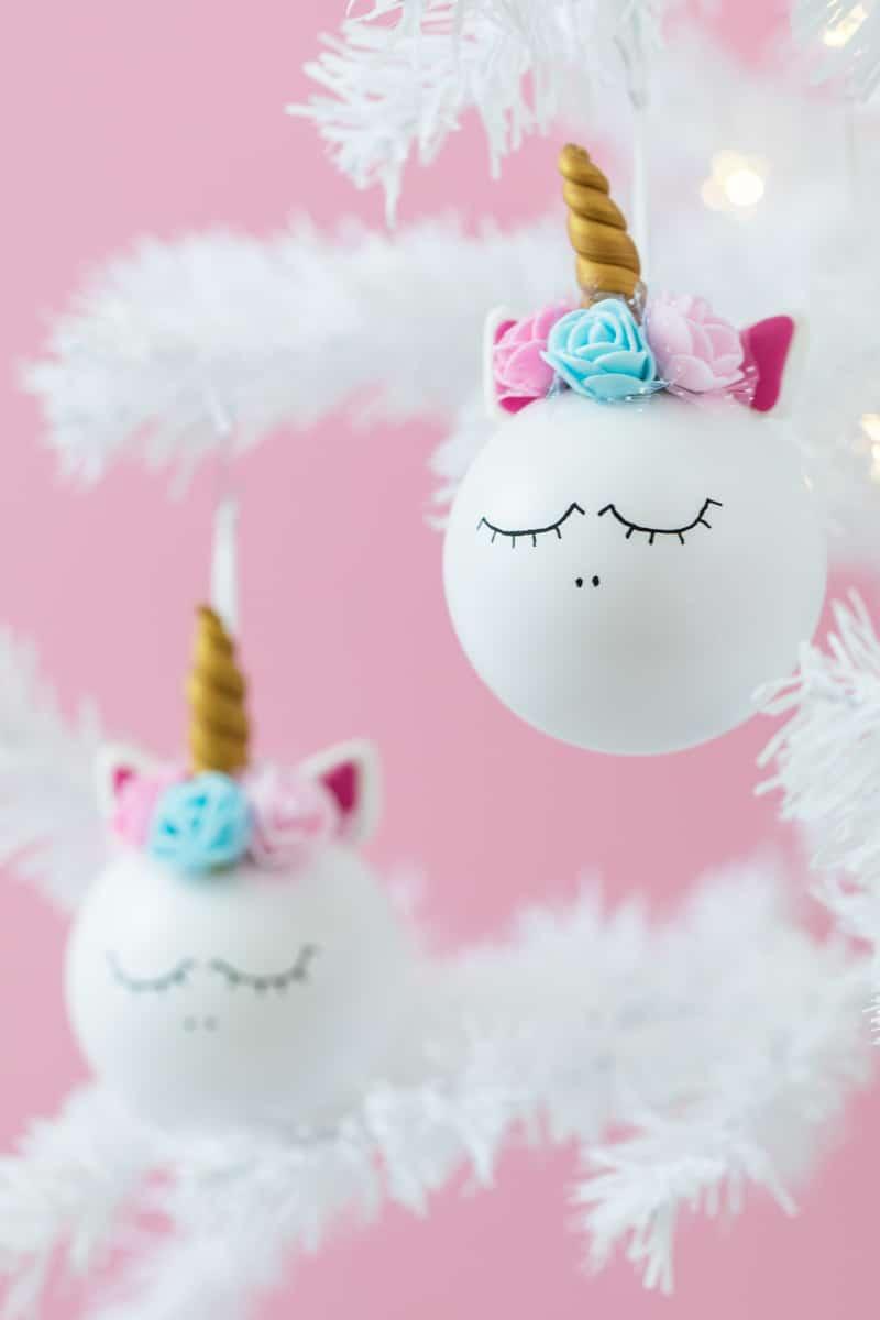 Einhorn weihnachtskugeln basteln mrsberry familien for Einhorn deko basteln