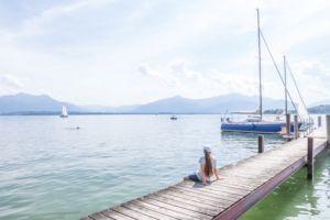 Prien am Chiemsee: Tipps für den Familienurlaub in Bayern vom MrsBerry Familien-Reiseblog | Besuch der Fraueninsel mit Inselidylle pur.