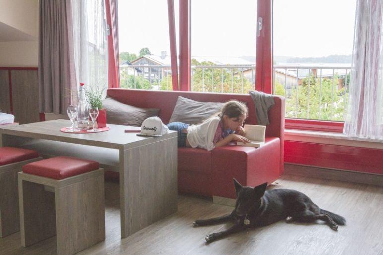 Prien am Chiemsee: Tipps für den Familienurlaub in Bayern vom MrsBerry Familien-Reiseblog | Hotel Villa am See in Prien, in unmittelbarer Nähe zum Chiemsee