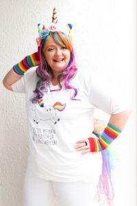 Karneval DIY Idee: Einhorn Kostüm selber machen für Erwachsene