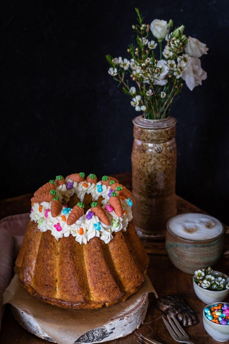 Möhrenkuchen mit Frischkäse Füllung Gugelhupf Rezept