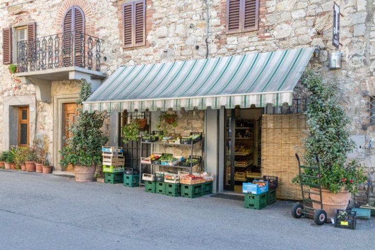 Toskana Urlaub in den Hügeln des Chianti Classico und die schönsten Ausflugsziele im Chianti Gebiet - Spaziergang durch die mittelalterlichen Dörfer