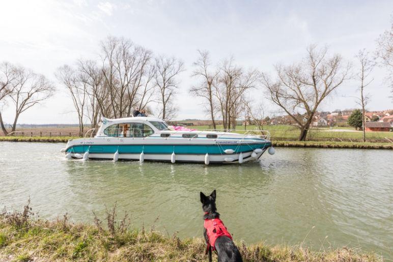 Hausbootferien in Frankreich - Familienurlaub auf dem Hausboot auf dem Rhein-Marne-Kanal in Elsass - MrsBerry Familien-Reiseblog