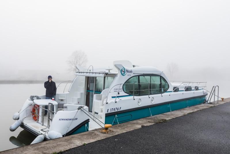 Hausbootferien in Frankreich - Familienurlaub auf dem Hausboot auf dem Rhein-Marne-Kanal in Elsass - MrsBerry Familien-Reiseblog: morgendlicher Nebel im Frühling