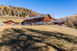 Naturhotel Lüsnerhof - Wellness und Wandern in Südtirol | Wandern mit Kind - Kreuzwiesen Hütte auf der Kreuzwiesenalm