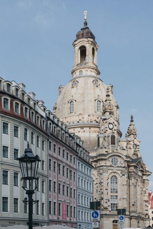 Städtereise Dresden Sehenswürdigkeiten - Die Frauenkirche ist wohl die bekannteste Sehenswürdigkeit in Dresden und liegt im Zentrum der Stadt.