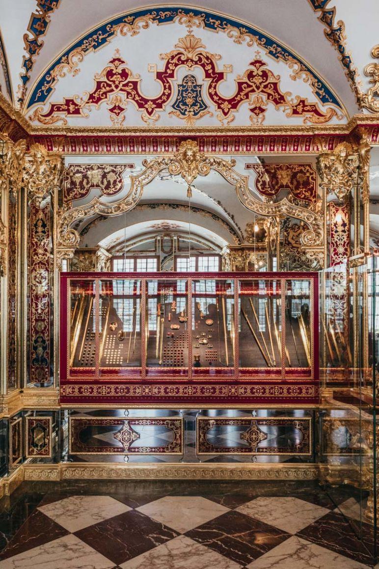 Städtereise Dresden Sehenswürdigkeiten - Das Juwelenzimmer des Historischen Grünen Gewölbes Dresden.