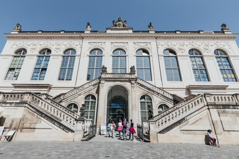 Städtereise Dresden – Sehenswürdigkeiten die du nicht verpassen solltest: Besuch des Dresdner Verkehrsmuseum im Johanneum