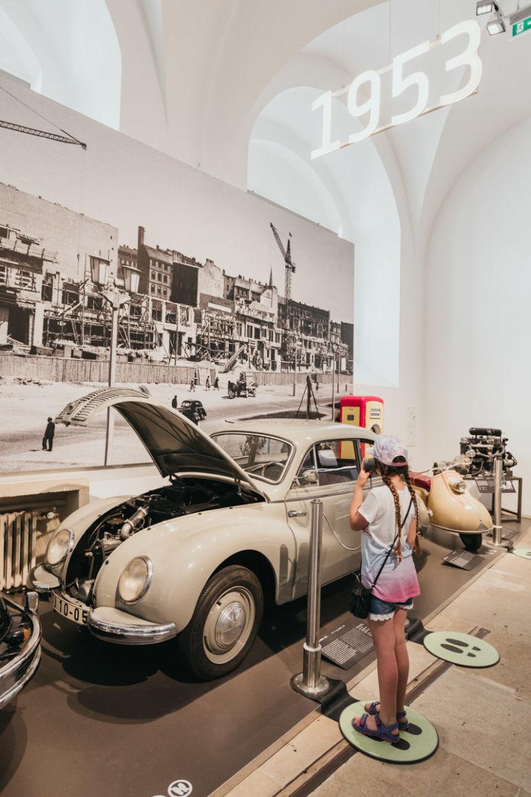 Städtereise Dresden Sehenswürdigkeiten - 200 Jahre Straßenverkehrsgeschichte im Dresdner Verkehrsmuseum.