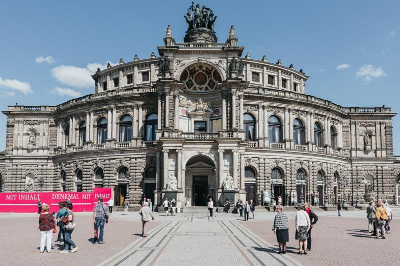 Städtereise Dresden – Sehenswürdigkeiten die du nicht verpassen solltest: Rundgang durch die Altstadt mit Besichtigung der Semperoper und Theaterplatz