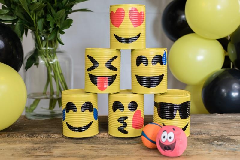 Emoji DIY Geburtstagsparty Ideen für Outdoor Spiele zum selber machen - Emoji Dosenwerfen für Kindergeburtstag
