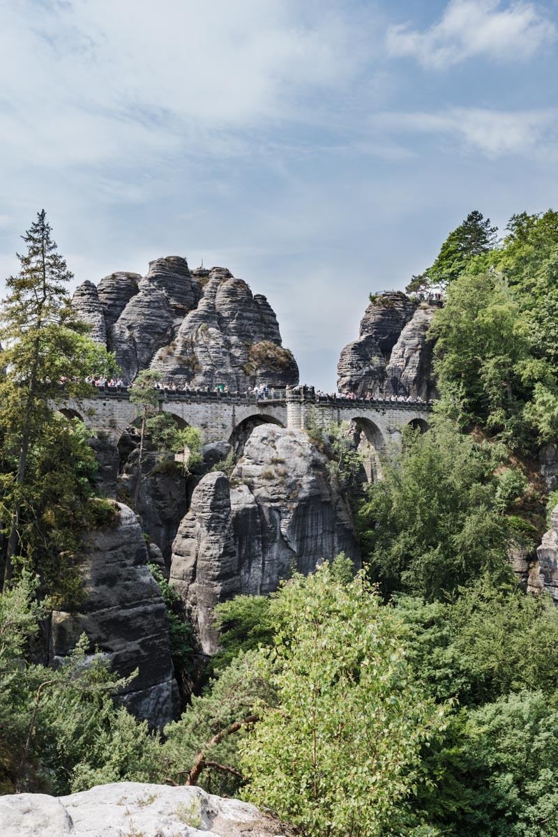 Sächsische Schweiz: Familienurlaub in Hinterhermsdorf - Ausflugsziele für Familien, wie z.B, Nationalpark Sächsische Schweiz, Wanderung Bastei mit Basteibrücke, Wanderung Schwedenlöcher, Festung Königstein und vieles mehr