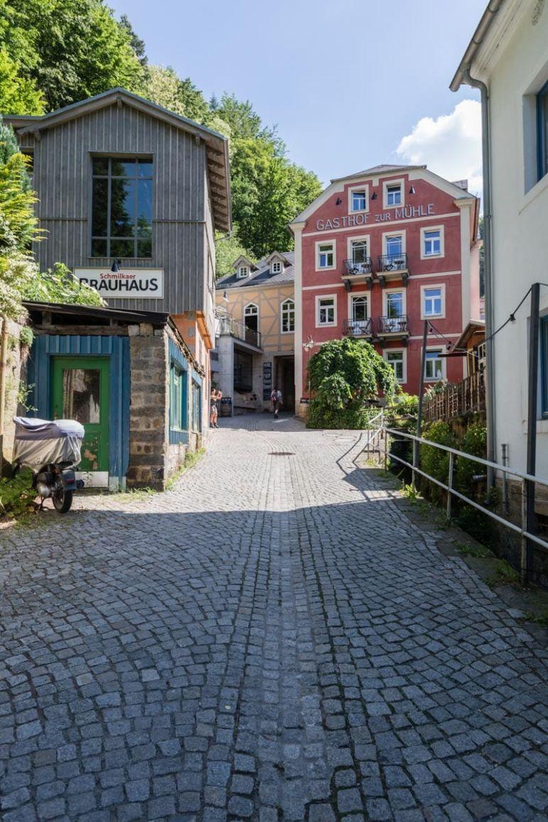 """Sächsische Schweiz: Familienurlaub in Hinterhermsdorf - Dorfspaziergang durch das """"Bio-Dorf"""" Schmilka"""