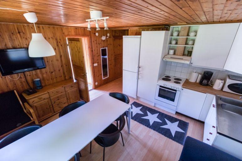 Skandinavien Roadtrip: 3 coole Familienspots in Smaland, Schweden - Ferienanlage Kyrkekvarn - Perfekt für Reiterferien und Kanutouren.