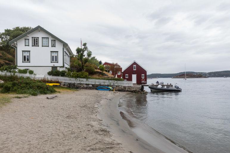 Südnorwegen: Tipps für den Familienurlaub an der Südküste Norwegens - atemberaubende Natur, tolle Wanderungen, einsame Inseln und viel Zeit als Familie. | Zwischenstopp in Arendal und Besuch der Insel Merdø.