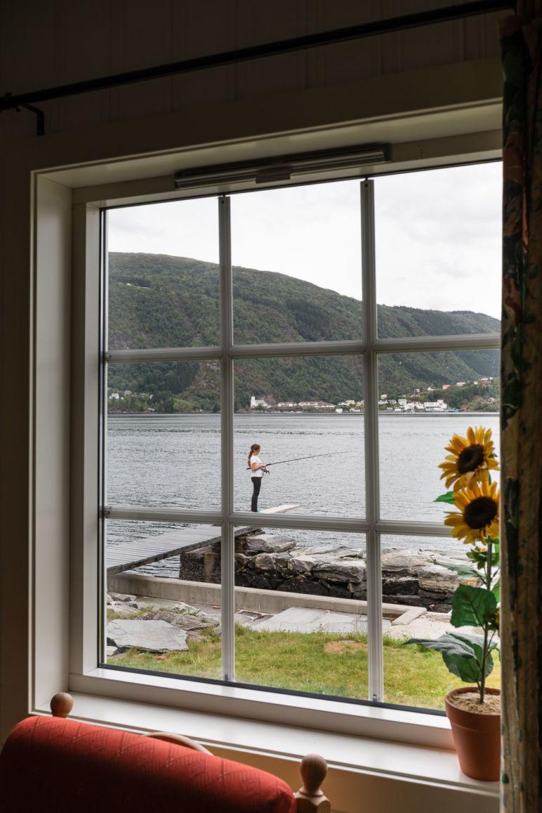 Urlaub in Norwegen - Familienurlaub im idyllischen Ferienhaus am Sørfjord: Ferienhaus in Garnes bei Bergen, mit eigenem Steg zum Angeln